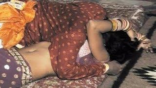 Hot Rajasthani Video Latest 2012 - Raat Bhar Neend Na Aayi (Nakhrali Bhabhi - Byayaji Neend Udaaiyo) width=