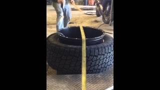 getlinkyoutube.com-How to stretch a tire on a 22x14 rim