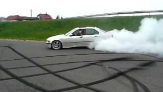 getlinkyoutube.com-palenie gumy BMW e36 325