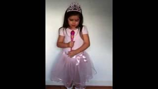 "getlinkyoutube.com-Sophia Grace sings -- ""Turn My Swag On"" by Keri Hilson   Sophia Grace"