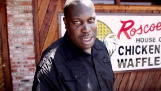 Driver à Los Angeles parle de poulet frit et 2Pac chez Roscoe.