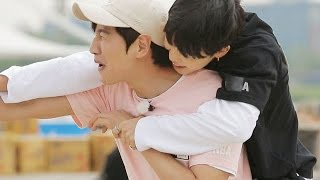 getlinkyoutube.com-BTS vs Running Man, carrying boxes match with full of cheating! 《Running Man》런닝맨 EP432
