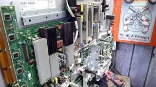 "getlinkyoutube.com-LG 42"" HD Plasma 42PG60UD-AA Crashing Digital Board."