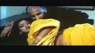 getlinkyoutube.com-Manager romancing with his Boss wife Bhuavneshwari | Pathikichi பத்திகிச்சி | Glamour Movie