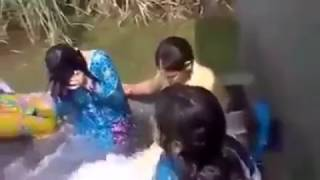 Punjabi Desi Girl outdoor bath mms   Desi girl bathing outdoor