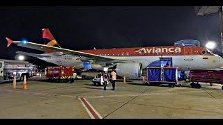 getlinkyoutube.com-Despegue nocturno de Avianca Airbus A320 N538AV en Bogota ElDorado 13L