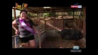 getlinkyoutube.com-Day Off: Isabel Oli at Maey B., nagpaamo ng baboy ramo!