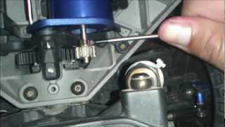 getlinkyoutube.com-Cmrc - Changing Gears, Slipper Clutch, and More On Your Slash 4x4 & Stampede 4x4