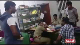 getlinkyoutube.com-Real Hero Vishal! தட்டிக்கேட்கும் விஷால் - தள்ளாடும் போலிஸ்