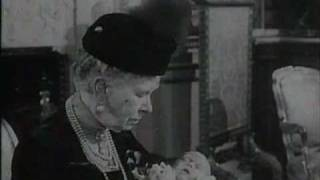 getlinkyoutube.com-Vintage footage of Royal Family from 1948, 1949 & 1950