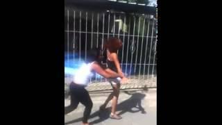 getlinkyoutube.com-Pelea De Mujeres Por Una Peluca  ( Cuantos Golpes )