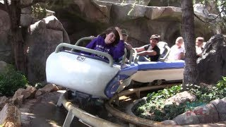 getlinkyoutube.com-Full ride: New Matterhorn Bobsleds, both sides, and mountain climbers at Disneyland POV