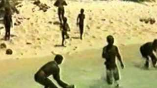 getlinkyoutube.com-Mysterious island is home to 60,000-year-old community - Sentinelese Tribe Kills Outsiders