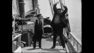 getlinkyoutube.com-Buster Keaton in The Love Nest 1923