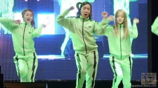 getlinkyoutube.com-130304 홍대 신입생 환영회 크레용팝 Dancing Queen by ace