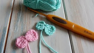 How to Crochet a Small Bow
