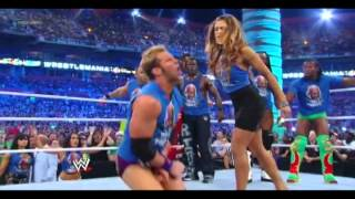 getlinkyoutube.com-Eve kicks Zack Ryder balls