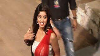 getlinkyoutube.com-Deepika Singh stunning gorgeous at the red carpet of Star Guild Awards 2015.