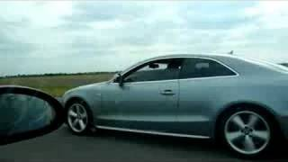 getlinkyoutube.com-Audi A5 3.0TDi vs BMW 330i