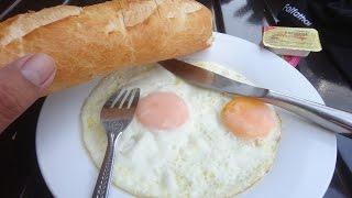 กินอาหารเช้าโรงแรมพรประเสริฐ เวียงจันทน์ Vientiane Cheap hotel Breakfast