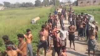getlinkyoutube.com-खेसारी लाल यादव अपने गांव पे होली खेलते हुवे || Kheshari Lal Yadav Holi || 2015 || Exclusive Video