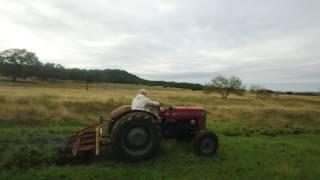 getlinkyoutube.com-Granger Smith - Tractor (bonus video)