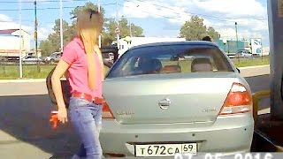 getlinkyoutube.com-Russian women driving part 9 ✦ Woman car crashes ✦ Girls driving fails