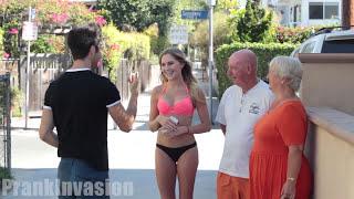 getlinkyoutube.com-Besos l Faciles l Familia Presente I  2015 7ma Parte (EE.UU)(Miami) Kissing Prank