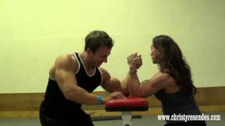 getlinkyoutube.com-Male Bodybuilder vs. Female Bodybuilder