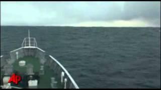 Inédito tsunami em alto-mar