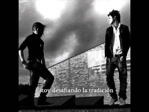 Cut Me Loose En Español de Sonohra Letra y Video