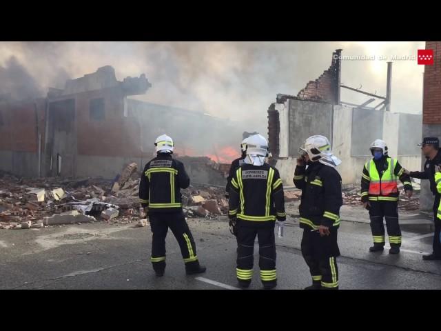 21.11.16 Incendio de 2 naves industriales. Fuenlabrada
