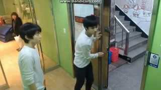 getlinkyoutube.com-[SEVENTEEN PREDEBUT] Mingyu and Hoshi fanboying over Hello Venus