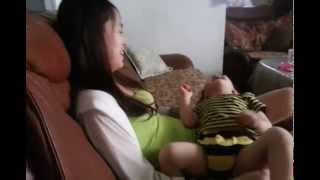 getlinkyoutube.com-小小柚子不能餵母乳了~柚子媽跟小小柚子的母乳大對抗