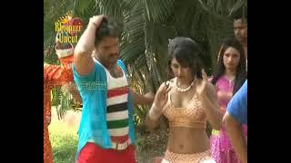getlinkyoutube.com-Hot Song Shoot of Bhojpuri film 'Jaaneman'  Khesari lal and Priyanka Pandit  1