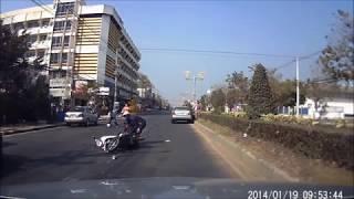 getlinkyoutube.com-รถหนูเบรคไม่อยู่...เหตุเกิดที่ลพบุรี 19/01/2514  ขาเข้าตัวเมืองลพบุรี