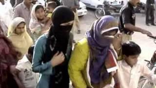 getlinkyoutube.com-Police Raid on Brothels and arrest 23 prostitutes on 08-aprail-2009 from Rohri( Report Imran malik )