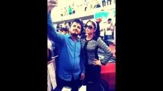 getlinkyoutube.com-Fans Taking Selfie with Qandeel Baloch in N E D Karachi