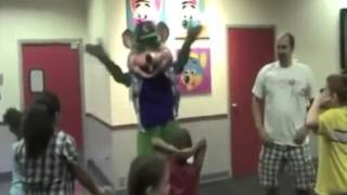 getlinkyoutube.com-Chuck e Cheese Party Rock Music Video (Alvin and the Chipmunks version)