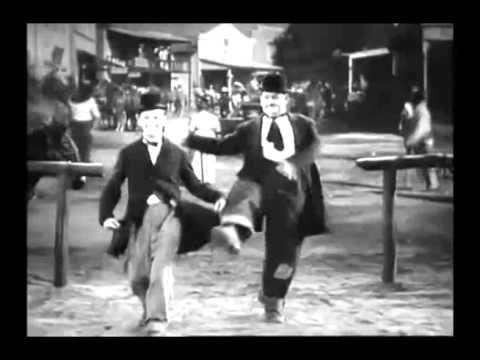 Χοντρός & Λιγνός χορεύουν Τα Καγκέλια !!