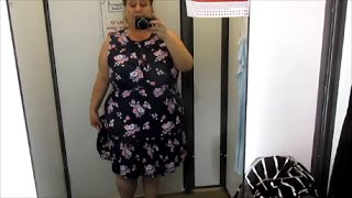 getlinkyoutube.com-In the Dressing Room @ Old Navy -- Plus Size Spring Fashion