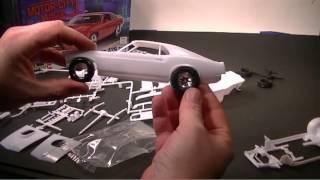 getlinkyoutube.com-02 - A look at the Revell '70 Boss 429 Mustang