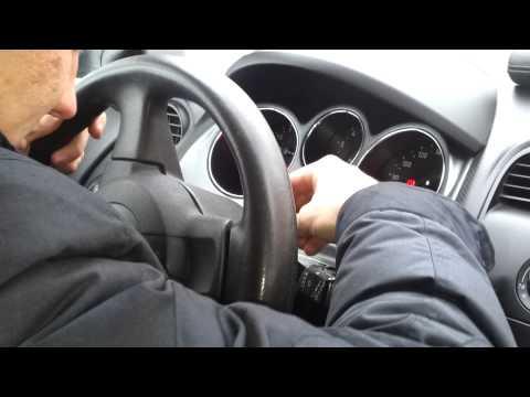 Как снять руль и подушку безопасности Seat toledo 2008 год
