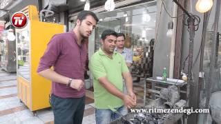 getlinkyoutube.com-شرط بندی پسر ایرانی سر خوردن 160 سیخ جگر!