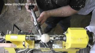 getlinkyoutube.com-Wiedemann Kugeldrehapparat für Kugeln bis 210mm Drechsler woodturning