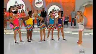 getlinkyoutube.com-BONDE DAS BONECAS E ELIANA FAZENDO QUADRADINHO DE 8