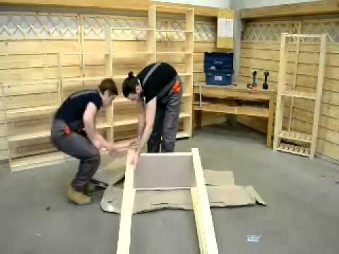 Montaż regału   półki z płyty wiórowej