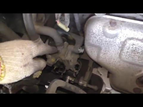 Замена сальника насоса ГУР Mitsubishi Lancer IX, замена жидкости.(18+)