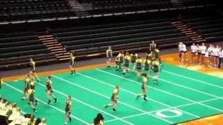 getlinkyoutube.com-Oregon Ducks Acrobatics & Tumbling Team Routine 2-21-15