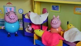 getlinkyoutube.com-NEW Peppa Pig Full Episode Play-Doh Sleep Over Bananas in pajamas Daddy pig Mammy pig